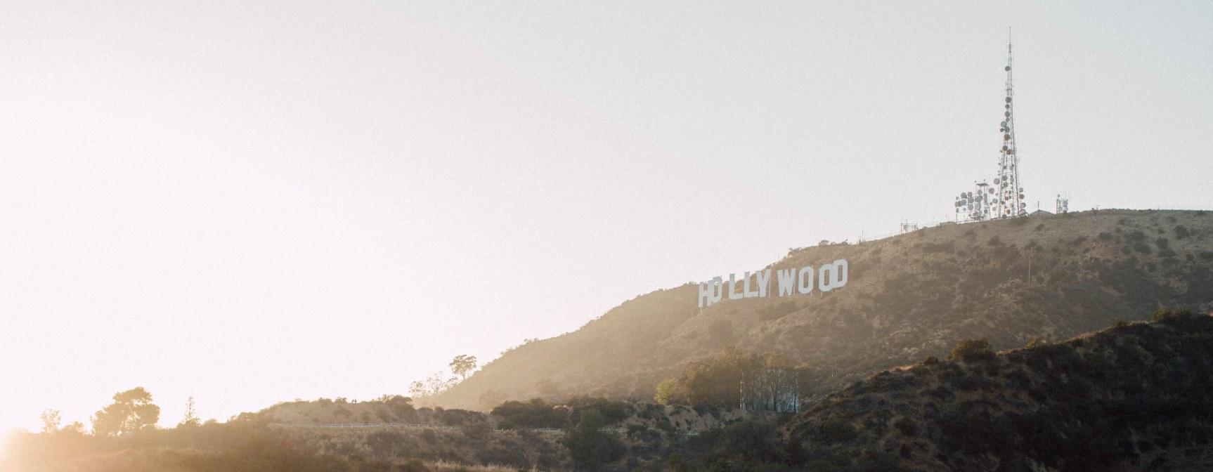E-Zigarette goes Hollywood: be posh stellt prominente Dampfer vor Bekannte Stars aus Hollywood waren schon immer Trendsetter für Mode oder Musik. Auch die E-Zigarette wird bei Prominenten immer beliebter und hatte sogar schon einige Auftritte in TV-Shows und Kinofilmen. Im Magazin von be posh stellen wir Dir prominente E-Zigarette-Dampfer vor.