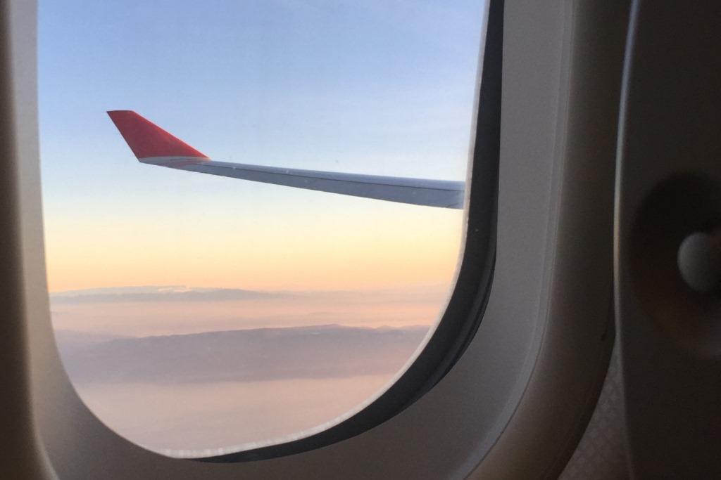 E-Zigarette im Flugzeug Darf ich E-Zigaretten im Flugzeug rauchen? Oder im Flughafen? Hier findest Du Antworten! mehr…